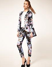 Floral print pants: Crop Pants, Fashion, Floral Suits, Asos Crop, Floral Outfit, Asos Floral, Floral Prints Pants Outfit, Floral Pants, Flower