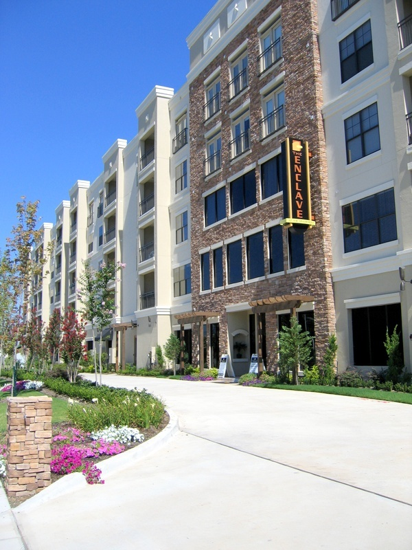 20 best Upscale Riverfront Mid-Rise Apartment Living in Downtown ...