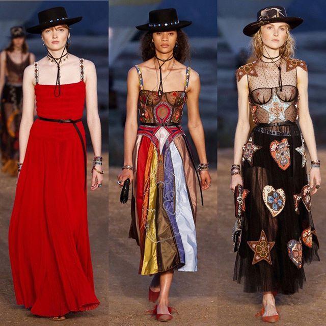 @Dior Cruise 17/18 just finished in LA. Swipe left!/ Ковбойские шляпы наскальные рисунки и этнические мотивы на показе круизной коллекции Dior в Лос-Анджелесе. Листайте налево и ищите все луки на Vogue.ru!  via VOGUE RUSSIA MAGAZINE OFFICIAL INSTAGRAM - Fashion Campaigns  Haute Couture  Advertising  Editorial Photography  Magazine Cover Designs  Supermodels  Runway Models