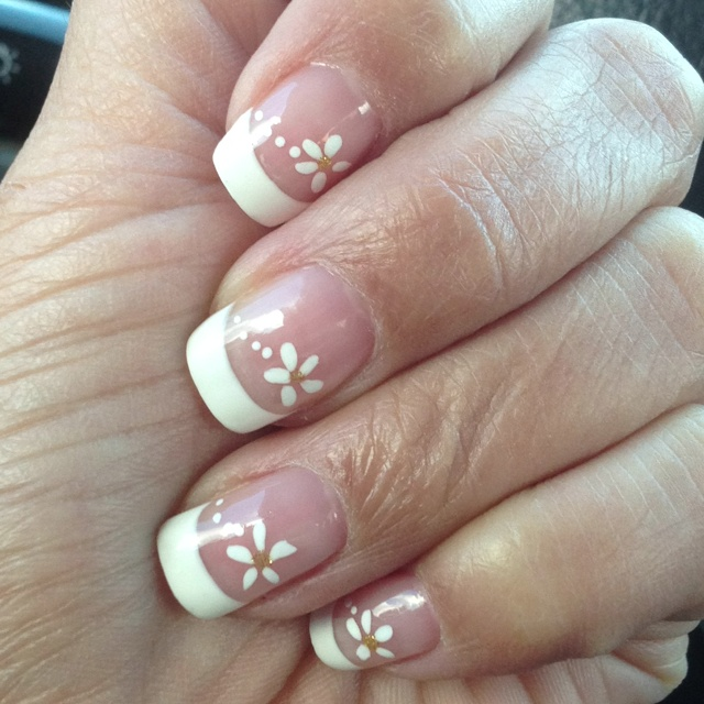 Lovin my nails, finally not fake but mine now.: Flower