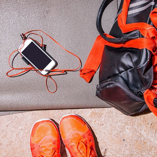 170 Best Images About Gym Essentials On Pinterest: Best 25+ Gym Bag Essentials Ideas On Pinterest
