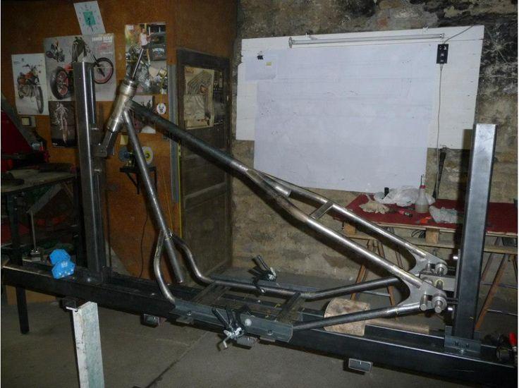 Bricolons.fr - Jeu Concours avec Complètement-Marteau #moto #autoconstruction #mecanique #briconcours