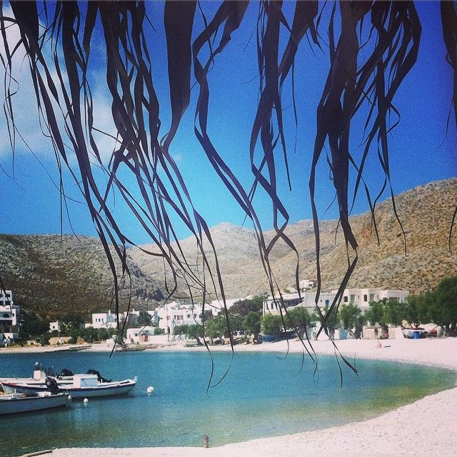 A piece of paradise... #Folegandros  #Cyclades Photo credits: @lianou_p