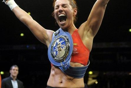 Eva Wahlström won Higher professional boxing featherweight European champion   Hbl.fi/sport