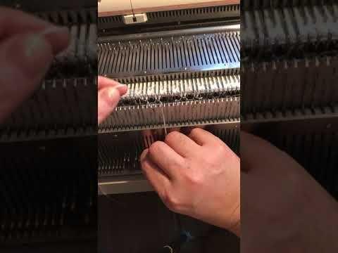 Вяжем юбку Шоколадные соты на однофантурной машинке. Описание и советы - YouTube