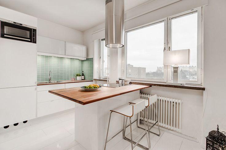 белая квартиры-студии 23 кв. м.