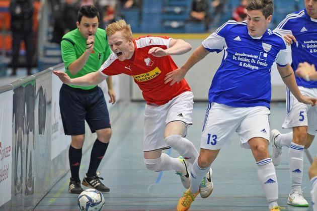 20. Bielefelder Hallenfußball-Stadtmeisterschaften mit 45 Teams +++  Theesen ist der Gejagte