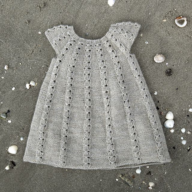 Ravelry: Kjole pattern by Susie Haumann