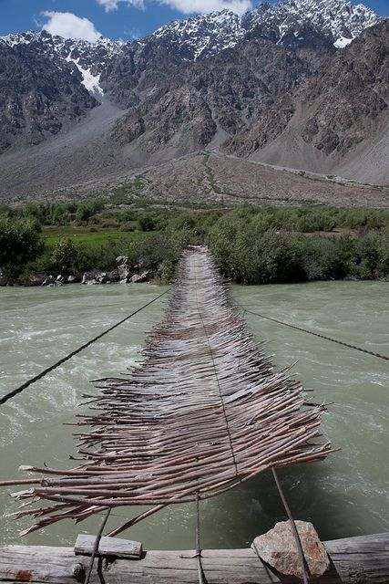 Suspended bridge in Gunt Valley, Pamir Mountains, Tajikistan (by jankech philippe).