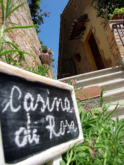 Casina di Rosa :: Vacation Rental in Tuscany  http://www.casinadirosa.it/