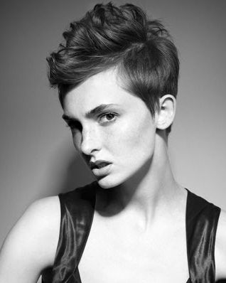 I will be getting this cut, after I grow and donate 20+ inches. Adorable.