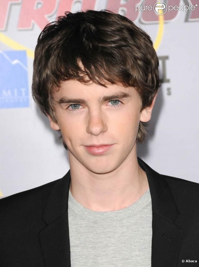 freddie highmore - photo #23