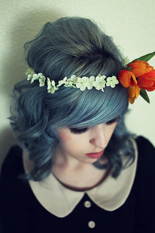love the flower crown, but I LOVE her hair!