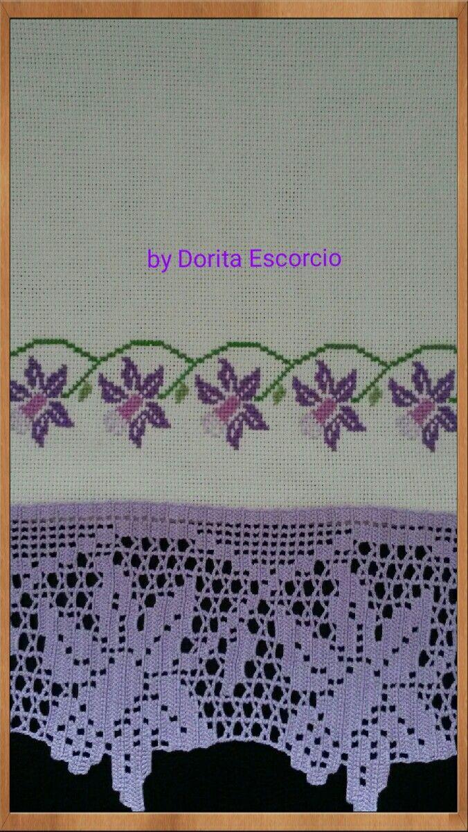 Bordado a ponto cruz com barra em crochet