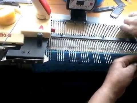Вязание  на вязальной машине Нева 5 узор частичным вязанием