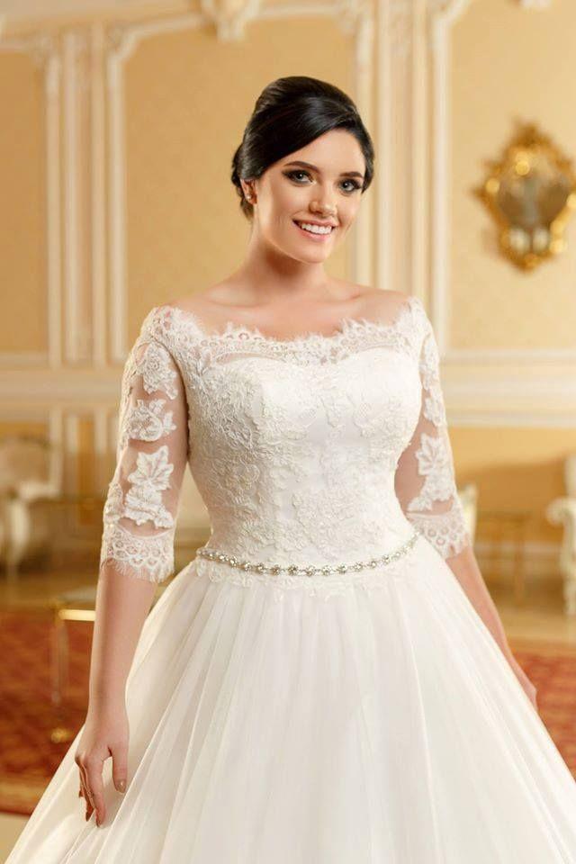 Aryanna Karen 2016 facebook.com/aryannakaren #aryannakaren20016 #bride #curvybride #plussize #ivorydress #weddingtime #weddingdresses #fashion #lace #bridalgowns #beauty #princessdress #embrodery #tulle #rochiemireasa #dantela #rochieprintesa #nunta #rochiedemireasa2016