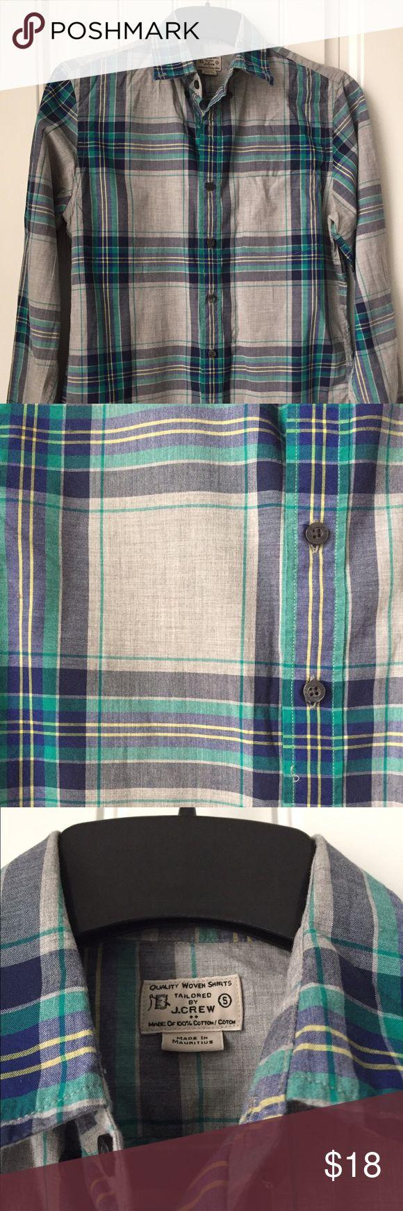 Men's J.Crew casual button-down shirt Men's J.Crew casual woven shirt size small. Button down shirt. J. Crew Shirts Casual Button Down Shirts