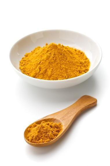 Kip met rijst en currysaus