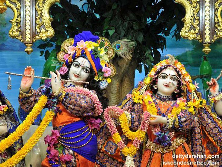 http://harekrishnawallpapers.com/sri-sri-radha-gopinath-close-up-wallpaper-047/