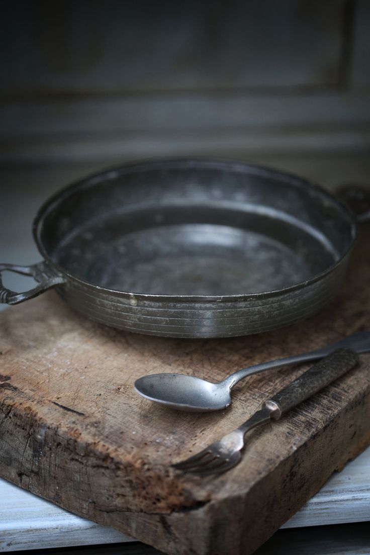 359 best pewter images on pinterest antique pewter would love to find some vintage cookware kitchen rustic