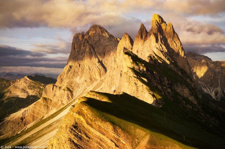 Tramonto sulle Odle - Foto scattata con α5100 e SEL1670Z  Sito Web: www.juzaphoto.com