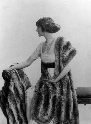 Lily Elsie (Mrs Bullough) by Rita Martin bromide print, 1907