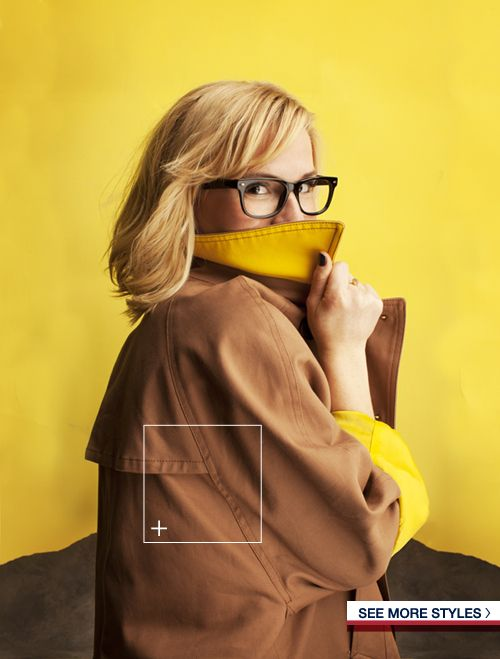 cropped trenchcoat with yellow lining
