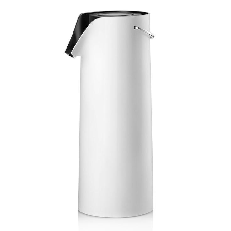 Rotating pump vacuum jug by Eva Solo