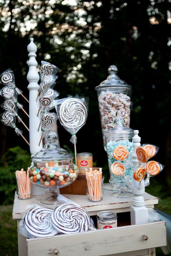 vintage carnival themed wedding