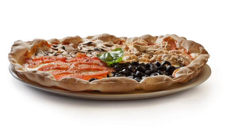 #Pizza Rustica: tomate natural, mozzarella, aceitunas negras, champiñones y atún. ¿Todavía no la has probado?