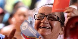 Resultado de imagen para adulto mayor en la revolucion bolivariana