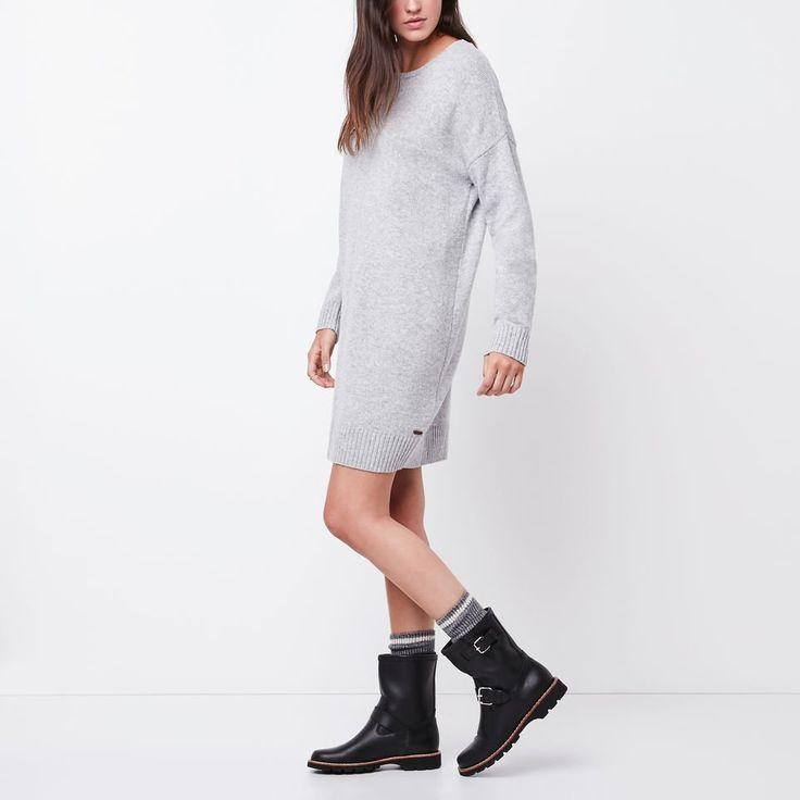 www.roots.com ca en jessie-sweater-dress-24100021.html?cgid=WomensDresses&start=2&selectedColor=004