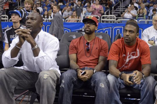 THE BIG KIDS' FILE: MICHAEL JORDAN AND SONS TAKE IN A GAME - Black Celebrity Kids