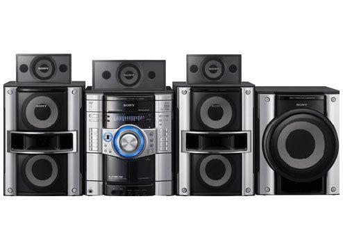 يتميز نظام ميني هاي فاي MHC-GZR9D بمبدل أسطوانات DVD يسع 3 أسطوانات ووظيفة كاريوكي وإمكانية تشغيل MP3/JPEG بالإضافة إلى وظيفة USB ومنفذ للوسائط الرقمية.