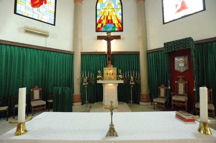 Altar Gereja Katedral Makassar