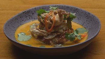 Cangrejo de concha blanda con salsa de curry