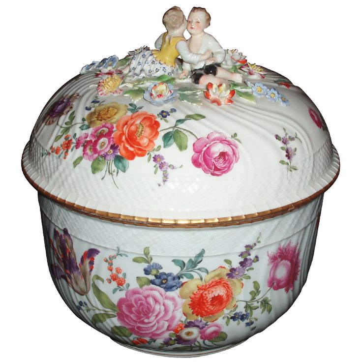 Rare Ludwigsburg Porcelain Lidded Tureen   From a unique collection of antique and modern soup tureens at https://www.1stdibs.com/furniture/dining-entertaining/tureens/