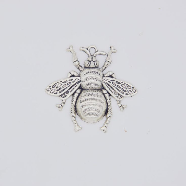 Vintage Style Antique Silver Tone Alloy Flying Bee Pendant Charms 40*38mm 20PCS #Unbranded #RetroBeautyPrettyLovelyGracefulAdorablePunk