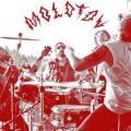 MOLOTOV: LA GLORIA Y EL INFIERNO Molotov no ha perdido el privilegiado lugar en el firmamento musical mexicano que se ganó en los noventa por su rock poderoso y sus letras descaradas. Entonces, ¿por qué no ha lanzado nuevo material? ¿Otros grupos...