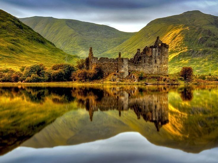Kilchurn Castle, built on a small, rocky isthmus at the tip of Loch Awe near Dalmally in Argyl, Scotland | 13 Fairytale Castles You Must Visit In Scotland
