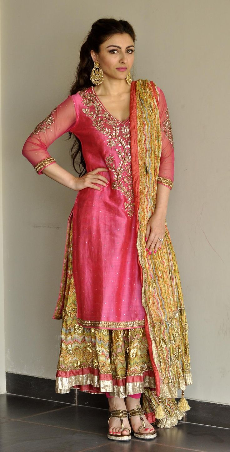 """Soha Ali Khan Pataudi Gorgeous at her pre Wedding #Mehendi in http://www.RituKumar.com/ ~ """"The ensemble consists of 3 pieces, worn one over the other. The inner peshwaz is made of a soft cotton worked w/ a pastel palette of the lehriya pattern done in a Rajasthan inspired theme w/ deep borders embellished w/ chutki gota. An over kurti in pink chanderi yoked w/ the same gota work will be worn over the peshwaz. A similar jaipuri lehran odhni completes the ensemble, perfect for a day time…"""