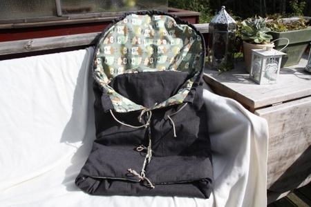 Voksipose / vognpose med matchende stellematte.
