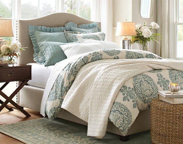 Romantic layered bedroom {I love the bedding!}