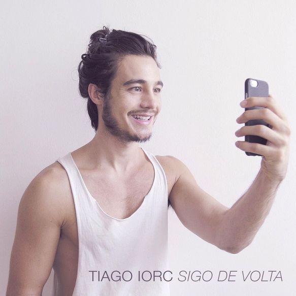 630782408-capa-do-ep-sigo-de-volta-de-tiago-iorc