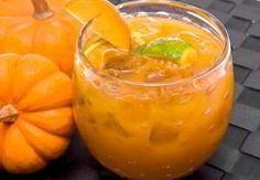 Этот рецепт в зимнее время поможет справиться с болезнями, укрепит иммунитет и даже просто порадует свом вкусом. А на приготовление уйдет всего 10 минут!  Ингредиенты:  Мед 150 г,  тыква 200-300 г,  лайм 1 шт.  и 1 лимон (или 2 лимона),  имбирь (корень) 1 шт,  сахар (лучше коричневый) 150 г.