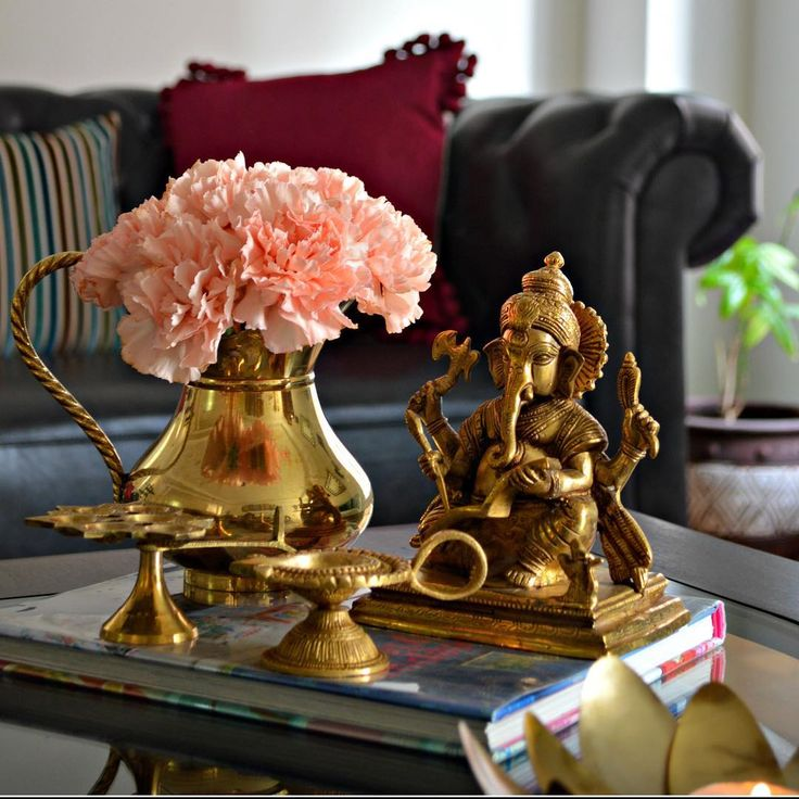 Traditional Indian Home Decorating Ideas - Home Decor Indian Style, Ethnic Indian Home Decor Ideas - Indian Interior Design Ideas Living Room