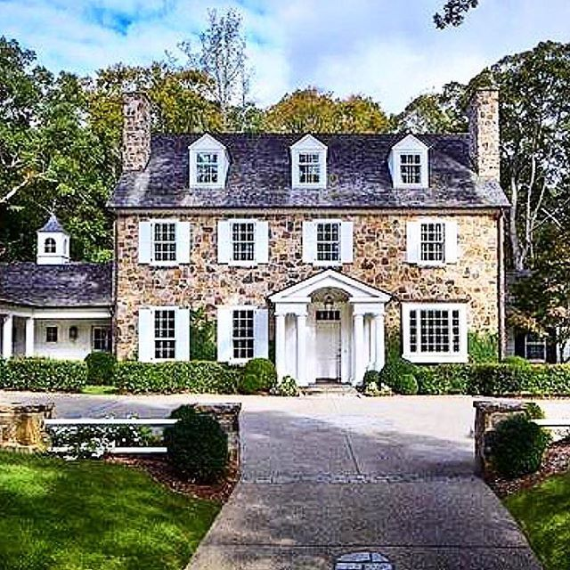 Stunning Home In Atlanta Ga With Images House Exterior