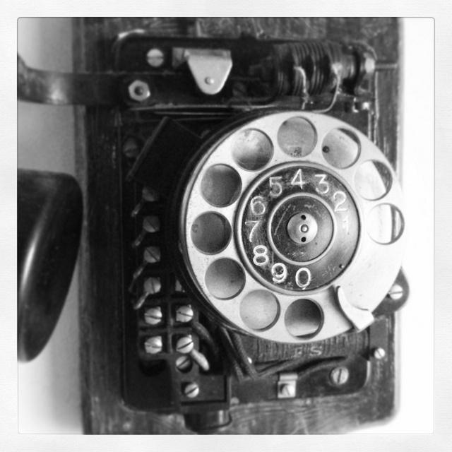#nostalgia al mirar un antiguo teléfono. Hecho con el #nexus4. | Flickr