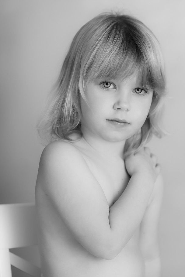 I want you to have photos that capture the essence of your child. One day your children will be grown up and these portraits will become invaluable.
