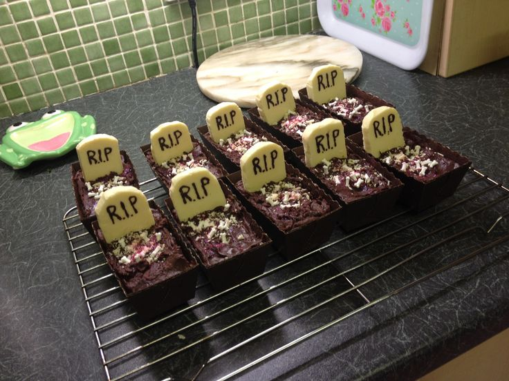 S'mores Brownies in addition Los Descendientes El Libro De Mal further Suspiros further Oden Hot Pot Recipe likewise Beautiful Places In France. on halloween chocolate